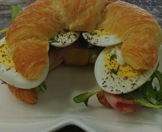 Le Croissant : Oeuf et Jambon